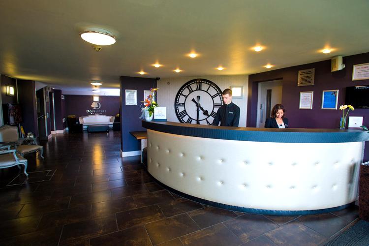 cadbury-house-hotel-reception